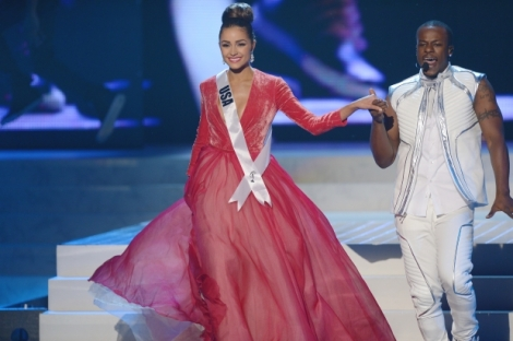 Olivia's final look at Miss Universe 2012 was fun to watch