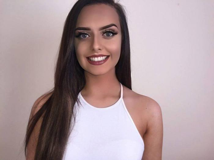 Louise Rose Hughes is a contestant of Miss Wales 2016