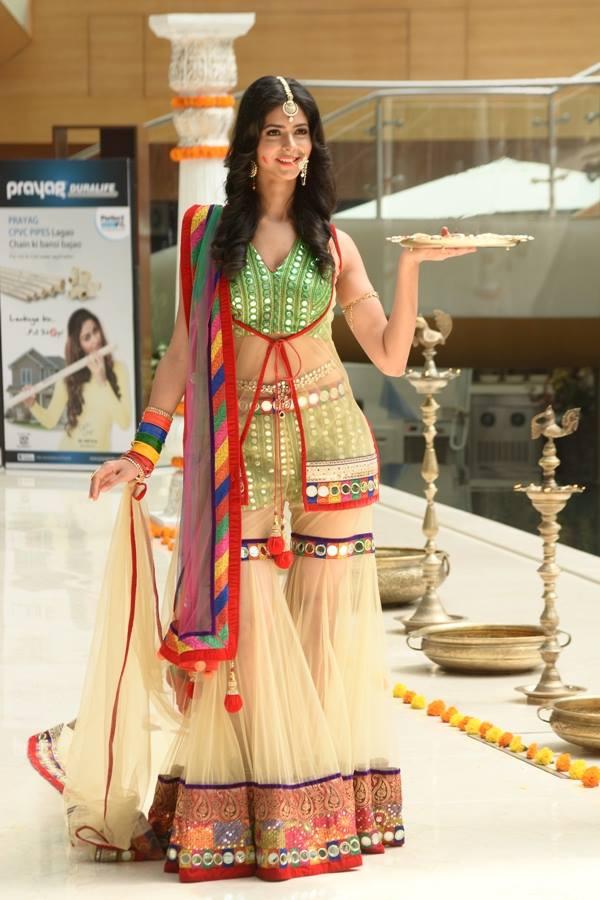 Pankhuri Gidwani in National Costume