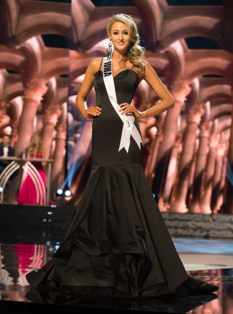 Alissa Morrison, Miss Iowa USA 2016. is one of the worst in Best and the worst Evening Gowns at Miss USA 2016 Preliminary show