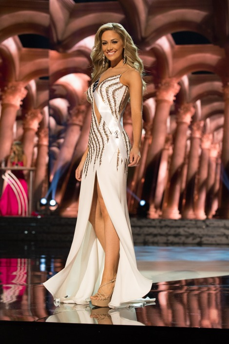 Daniella Rodriguez, Miss Texas USA 2016 is one of the best in Best and the worst Evening Gowns at Miss USA 2016 Preliminary show