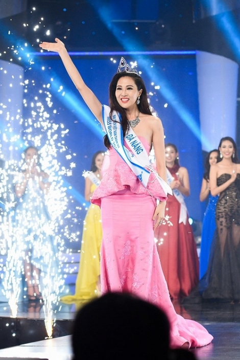 Truong Thi Dieu Ngoc crowned Miss World Vietnam 2016