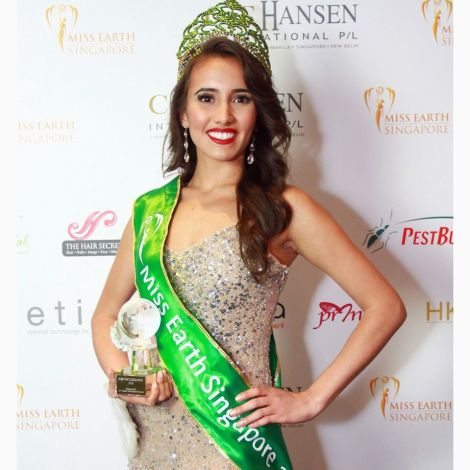 Manuela Bruntraeger is crowned as Miss Earth Singapore 2016