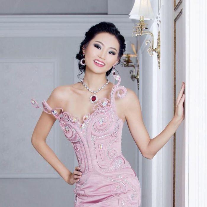 Bayartsetseg Altangerel is Miss World Mongolia 2016