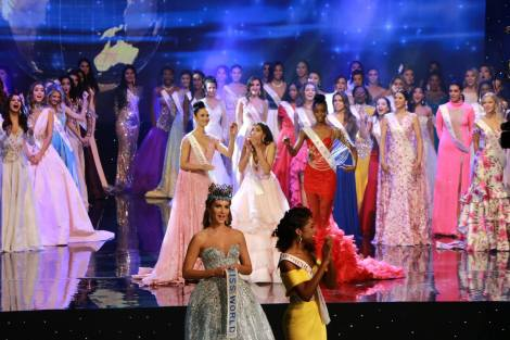 Stephanie Del Valle didn't place in any Fast-Track and still won the pageant.  If the format of the pageant and the selection processes were clearer, the acceptance by fans would be greater.