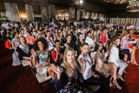 Miss Universe 2016 Contestants at Malacañang Palace