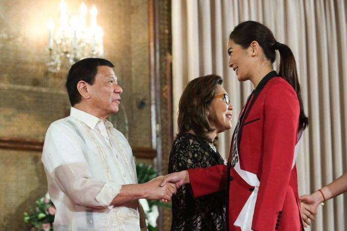 Miss Philippines Maxine Medina greet President Duterte  at his official residence