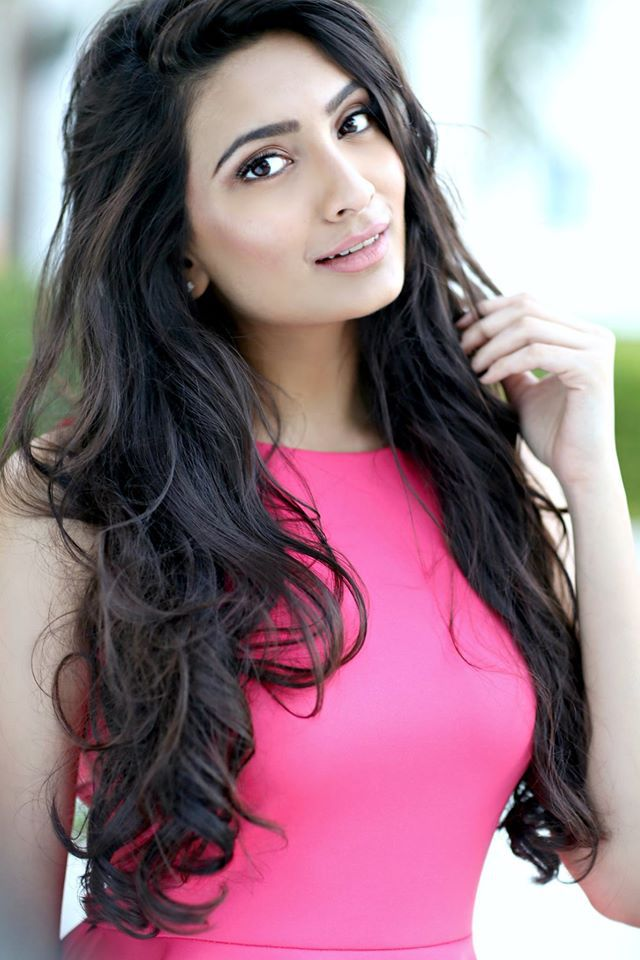 -Roshmitha Harimurthy will be representing India at Miss Universe 2016