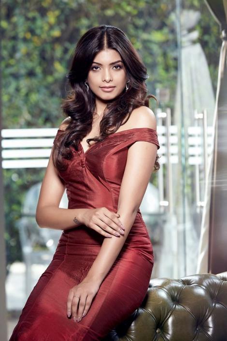 Srishti Vyakaranam is Femina Miss India Andhra Pradesh 2017